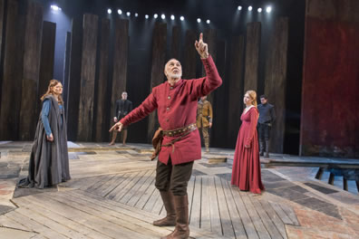 william shakespeare develops feeling of desolation in the tragedy of king lear Writers and writing parent-child relationships in king lear the shakespearean tragedy king lear developed a tragedy king lear by william shakespeare.