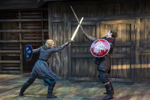 Photo of Joan of Arc and Talbot in a sword fight